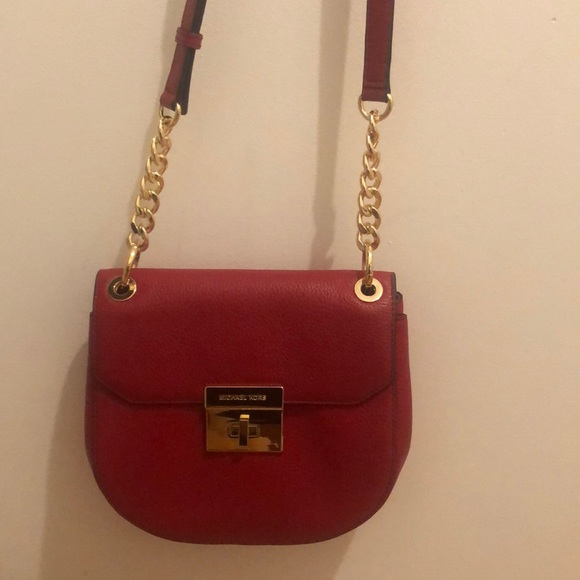 Michael Kors Handbags - Michael Kors sling red Cross body purse! ❤️